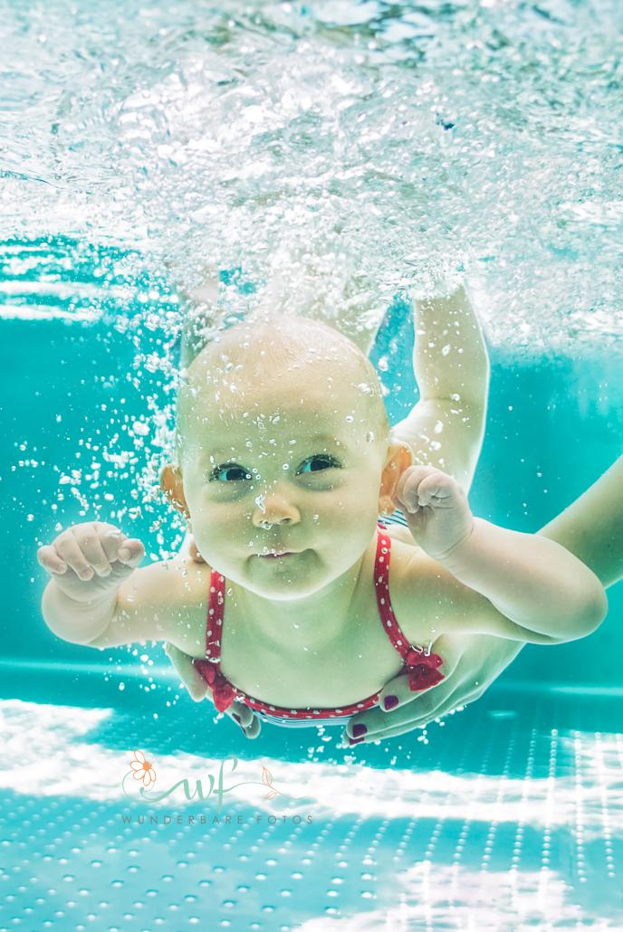 baby-schwimmen-tauchen-rollibad